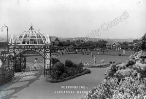 Alexandra Gardens, Scarborough. Playing Bowls